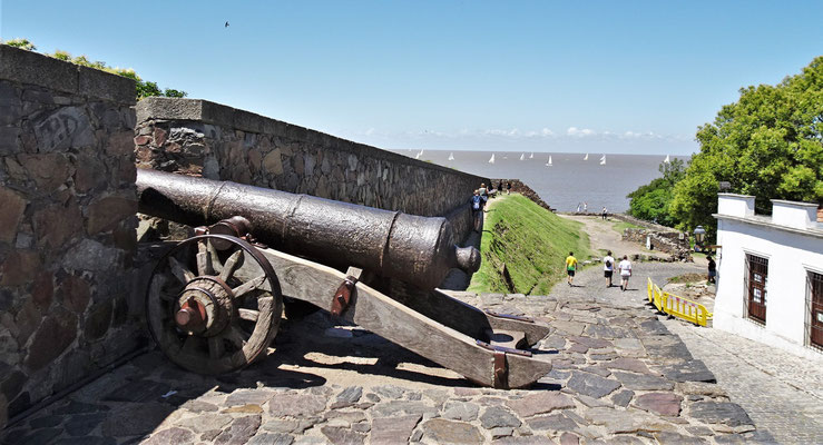 .....mit ihren Kanonen.