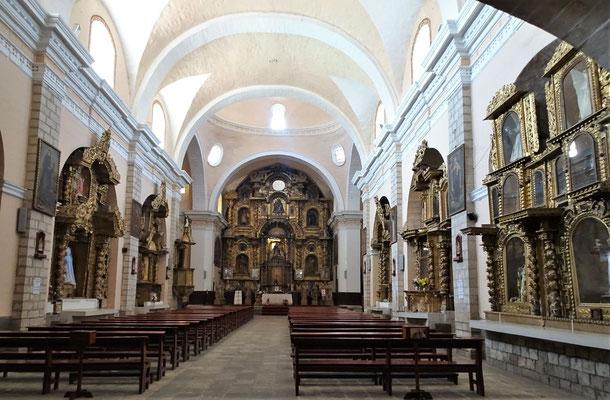 Das Innere der Kirche wo.....