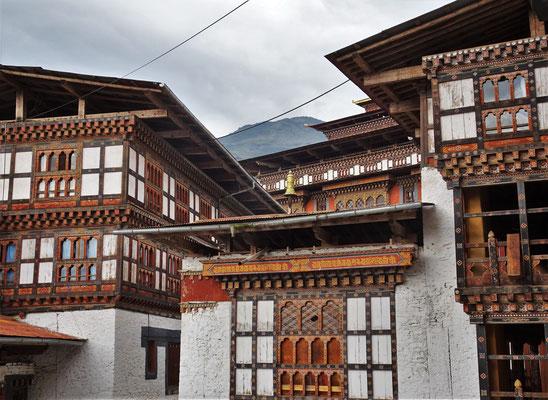 Im Innern des Dzong...