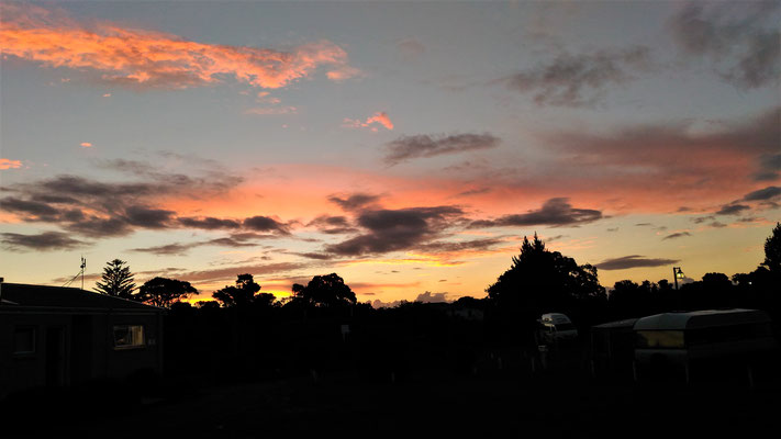 ....mit dem Sonnenuntergang.....