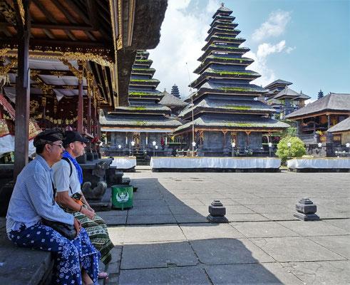 Über 30 Tempelanlagen in...