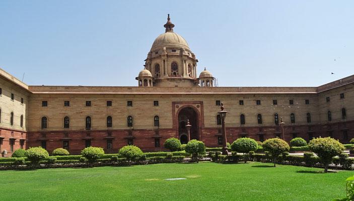 ....und die Parlamentsgebäude