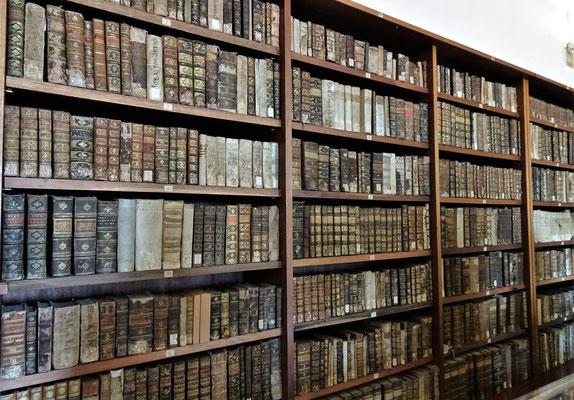 ......mit den alten Bücher.