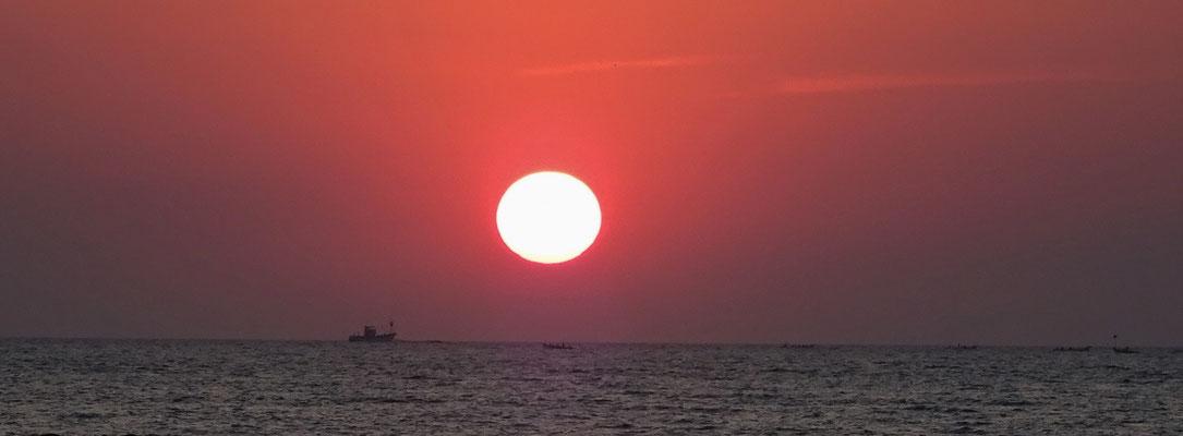....mit dem Sonnenuntergang...