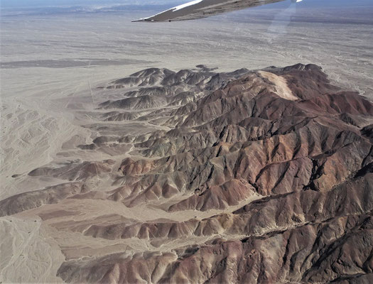 Die umliegenden Bergketten.