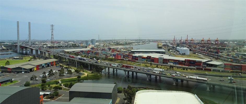 Der Blick in den Hafen.......