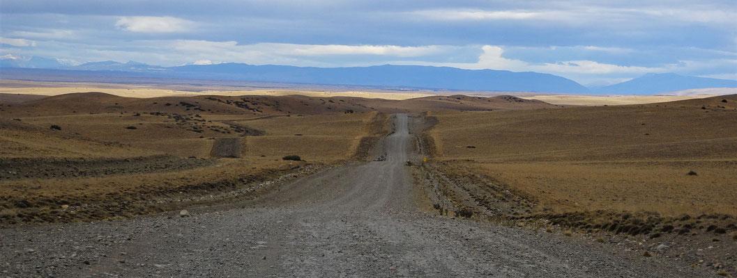 .....Rumpelpiste Richtung Torres del Paine.