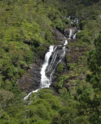 Der erste Wasserfall.....