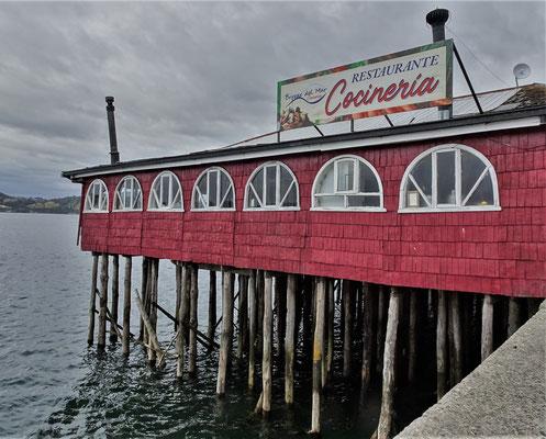 Ein Hafenrestaurant.