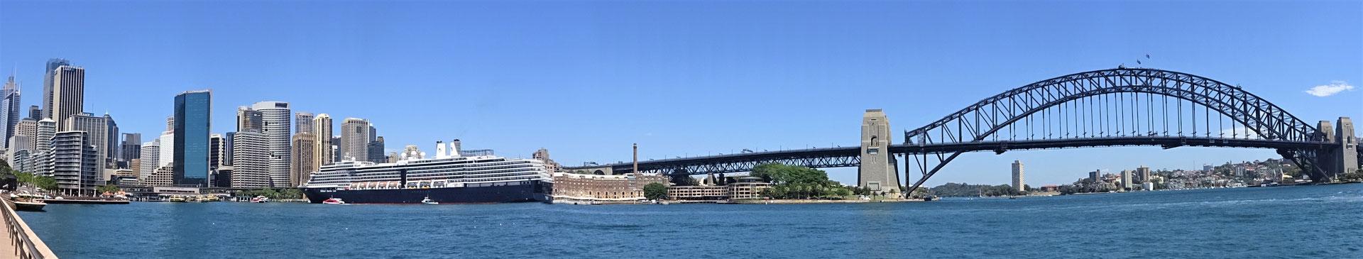 Das Panorama über den Hafen.