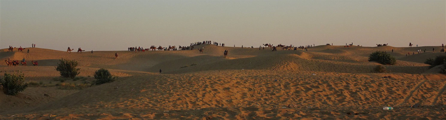 Tausende indische Touristen.