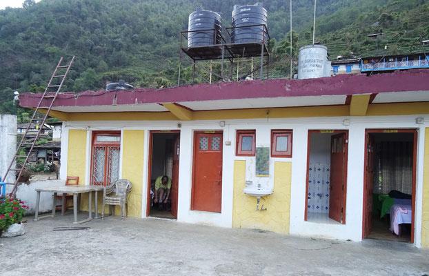Unser Guesthouse in Landrung mit Badzimmer und kaltem Wasser..