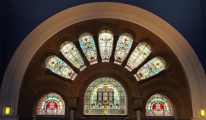 Schöne Glasfenster.