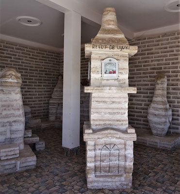 Diverse Salzskulpturen.