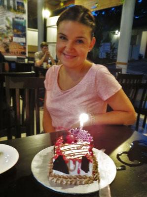 ...mit einem Kuchen gefeiert.