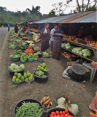 Ein kleiner Strassenmarkt.....