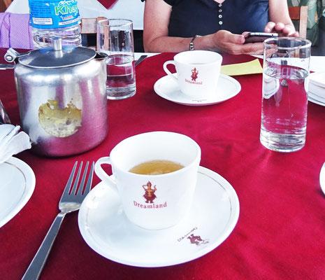 ...und dem speziellen Tee...