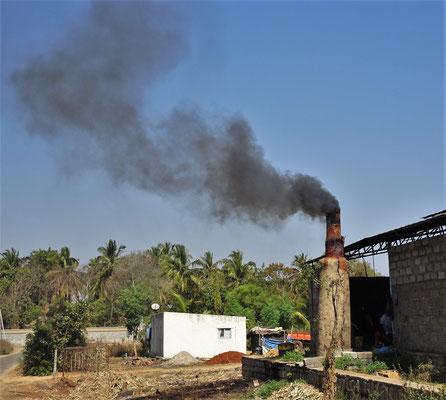 Die Zuckerrohrfabrik.