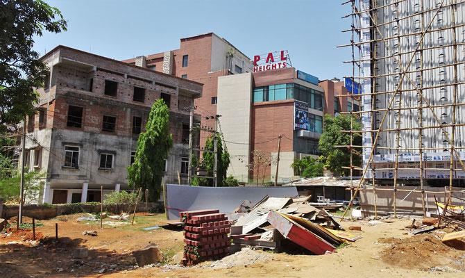Unser Hotel das Pal Heights. Von Aussen nix aber Innen fix.