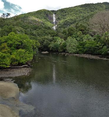 Der grosse Colnett Tao Wasserfall.
