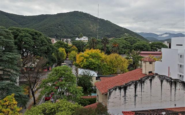 ......dem Hausberg San Bernardo.