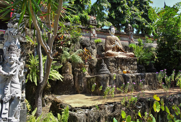 ....einer schönen Gartenanlage....