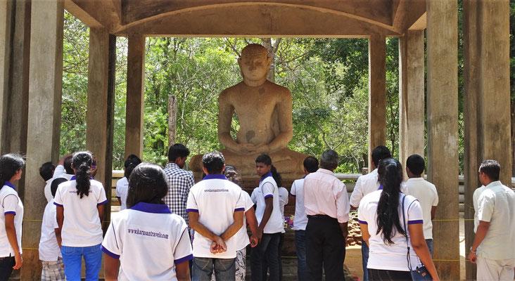 Die Samadhi Buddha Statue.....