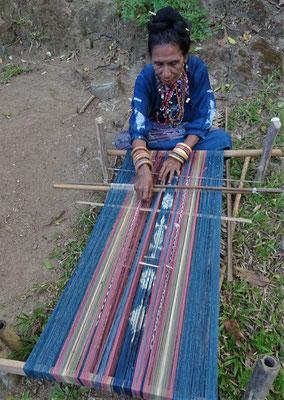 Für einen weiblichen Sarong....