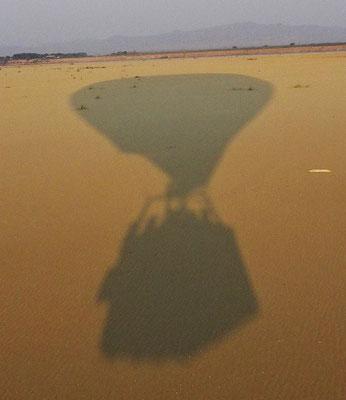 Unser Schatten auf der Sandbank.