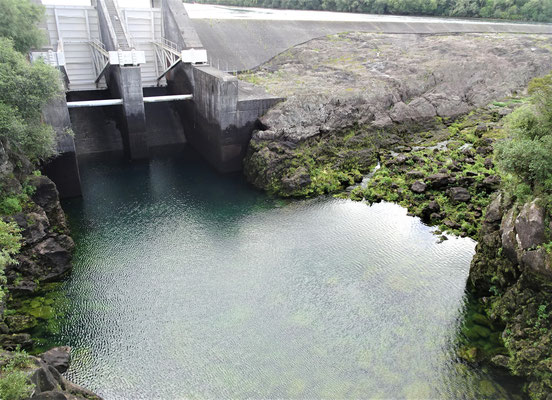 Beim Huka Staudamm.....