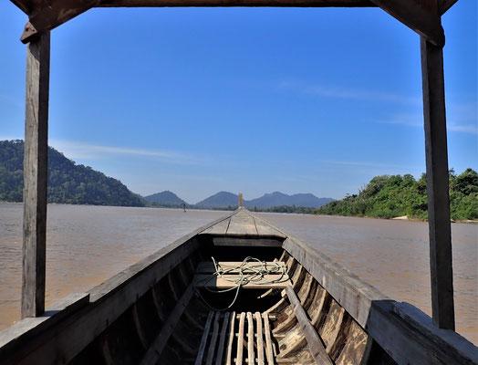 Es geht ein wenig den Mekong hinauf.....