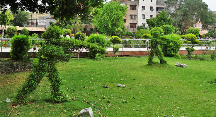..im Jallianwala Bagh Garten.