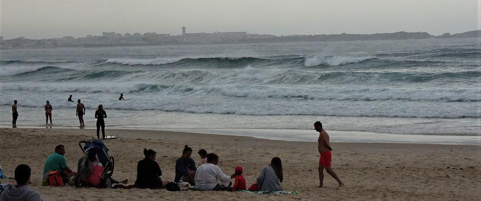 Viele Surfer vergnügen......