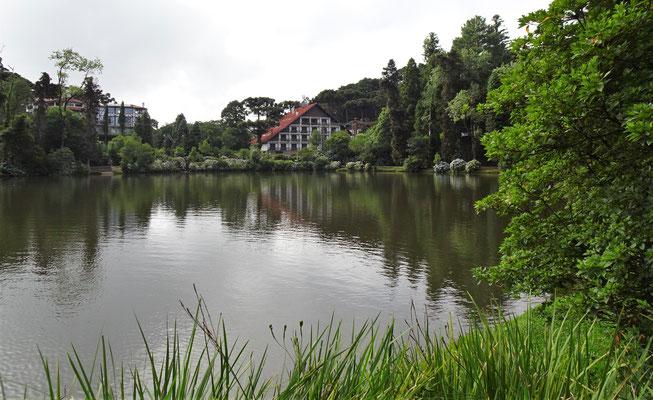 Der künstlich angelegte See.....