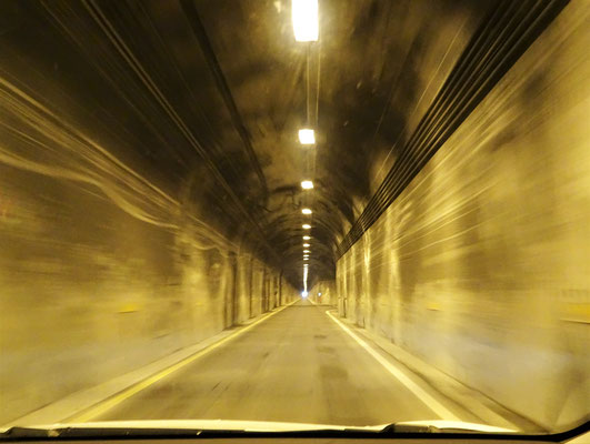 Viele teilweise sehr schmale Tunnels.