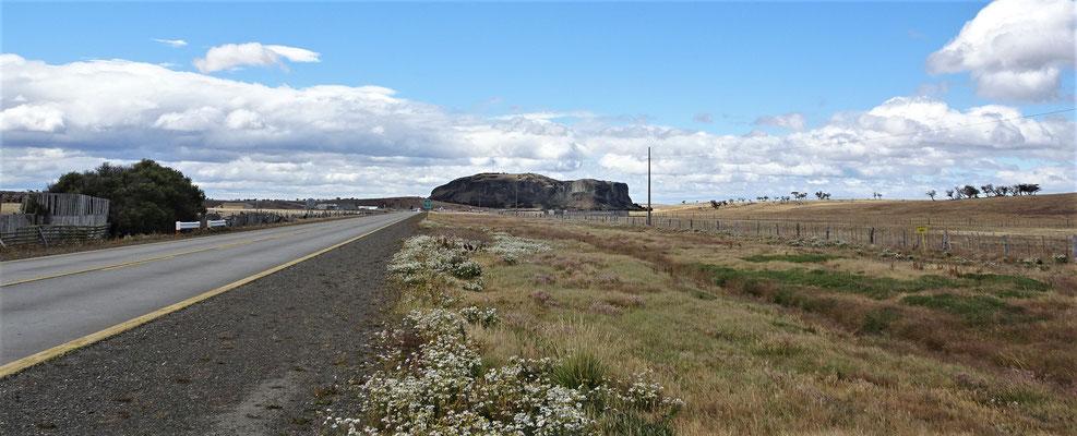 Er erinnerte uns an den Uluru. (Ayers Rock)