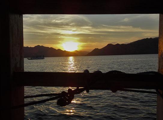 ....Übernachtung auf dem Meer.