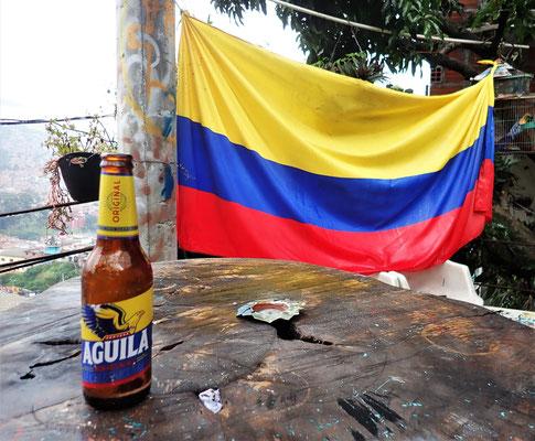 ....mit der Flagge und dem Bier.