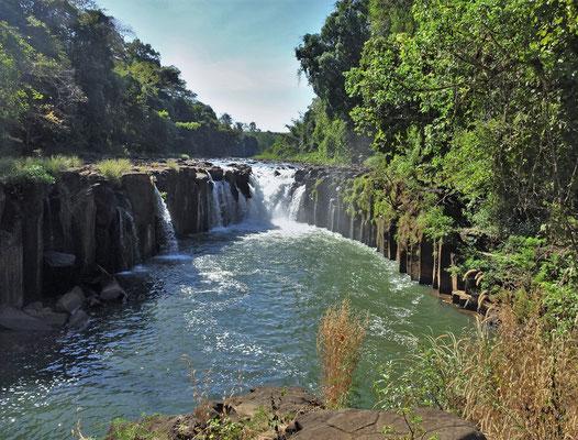 ....beim Phaxum Cliff Wasserfall.