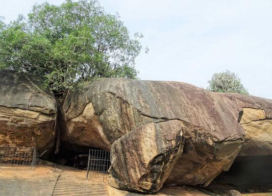 .....den alten Meditationshöhlen.