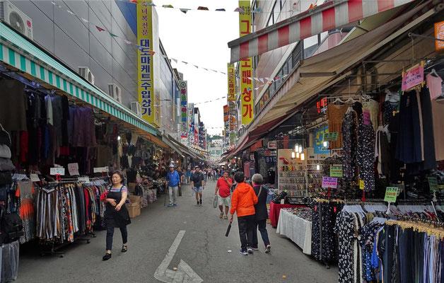 ....beim Namdaemun Market.