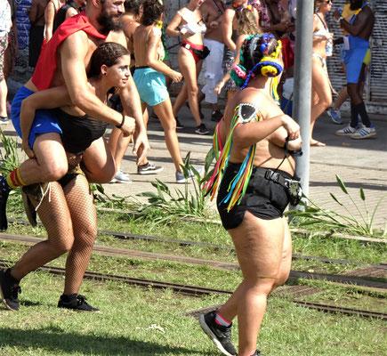 .......feiernden Cariocas.