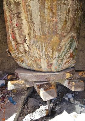 Die alte lederne Gebetsmühle