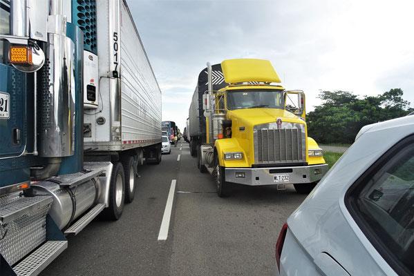 Riesen Stau auf der Autobahn.
