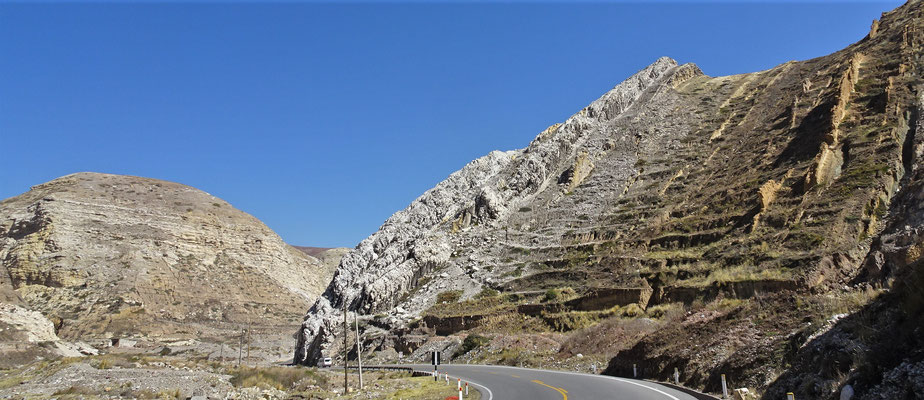 .......durchs Gebirge....