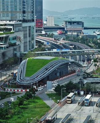 Der Tunneleingang nach Kowloon.
