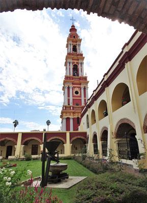 Der höchste freistehende Glockenturm von Südamerika.