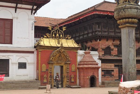 Das goldene Tor zum Königspalast (leider geschlossen)