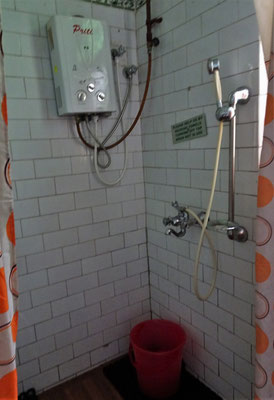 ...Badezimmer.