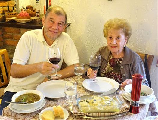 Feine Polenta mit Hirsch in Lanzo.